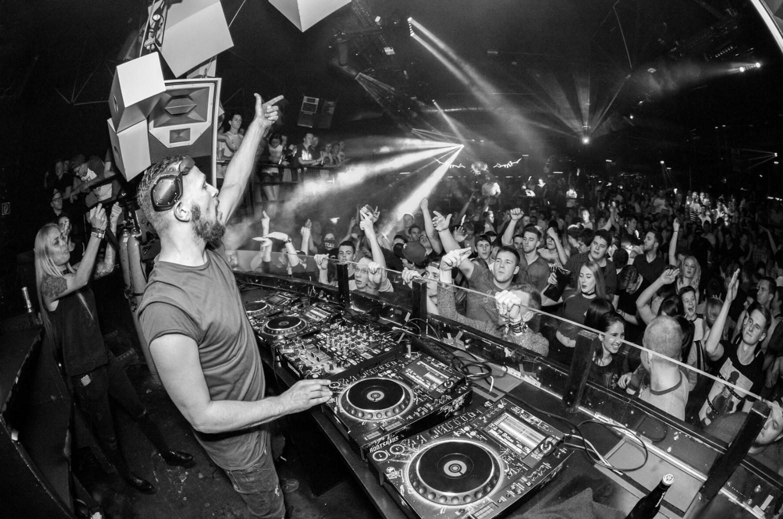 DJ Sebastiaan Bronk